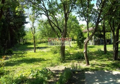 Predaj pozemok 1236 m2 , Kľačno okres Prievidza.