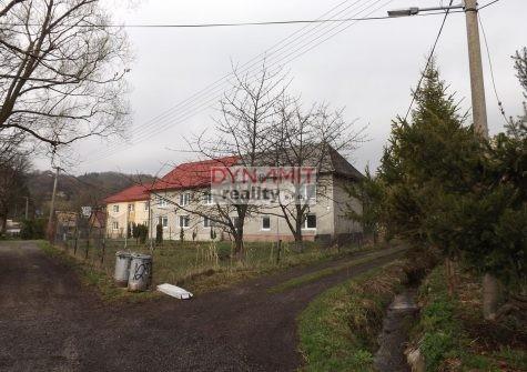 Predaj 4 izbový rodinný dom 708 m2, Handlová, Horný koniec