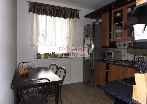 Predaj 4 izbový byt 86 m2, Prievidza, sídlisko Necpaly