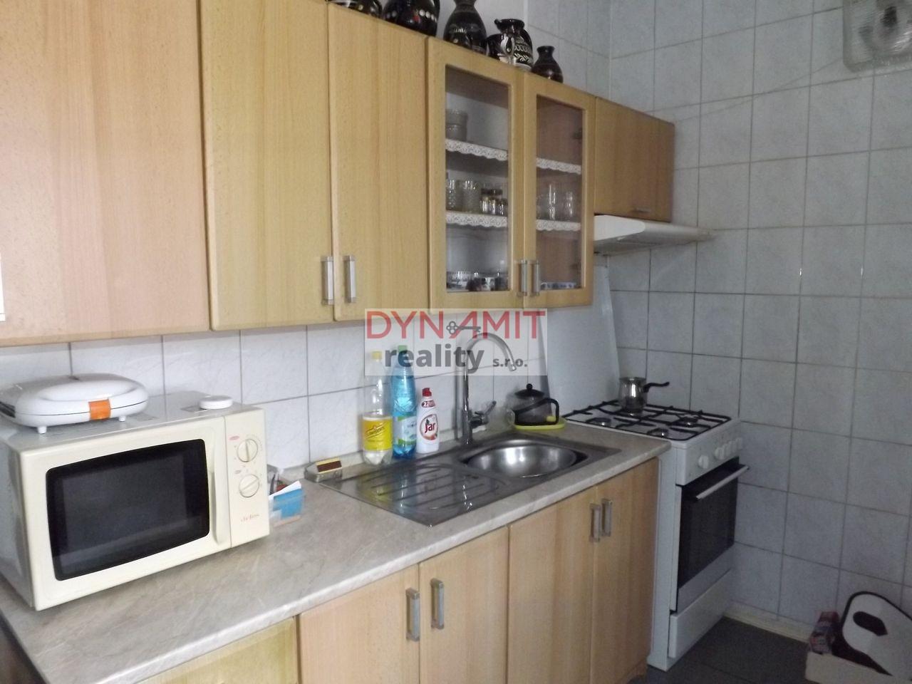 Predaj 3 izbový byt 63 m2 Handlová, Centrum