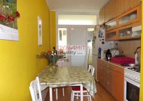 Predaj 3 izbový byt 64 m2 Handlová, Okružná ulica