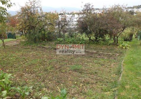 Predaj záhrada 211 m2 Prievidza, Sad Hôrka