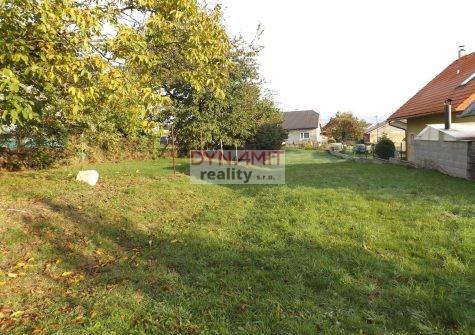 Predaj pozemok 800 m2 Lazany okres Prievidza