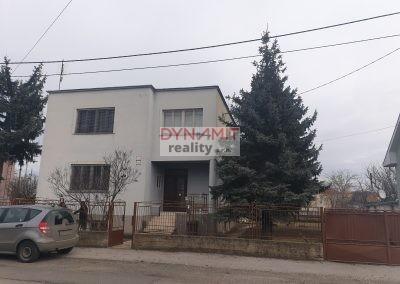 EXKLUZÍVNE – Predaj 4 izbového rodinného domu  – Levice