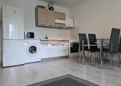 EXKLUZÍVNE – PRENÁJOM – 2 izbový byt 50m2 – centrum mesta Prievidza